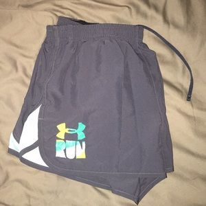 Under Armour size L running shorts